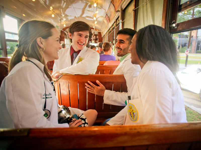 medstudents_on_streetcar